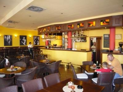 La Rosa café restaurant