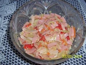 Salát z mortadelly