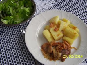 Zapékané kotlety s jablky a sýrem