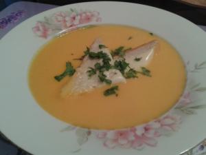 Mrkvová polévka s kokosovým mlékem a zázvorem