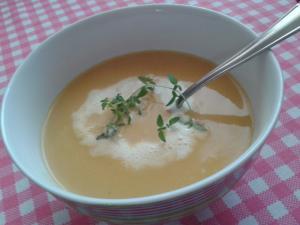 Batátová smetanová polévka se zázvorem
