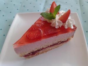 Jahodový smetanový želé dort