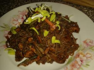 Kuře Pad Thai (Phat Thai) s tamarindem