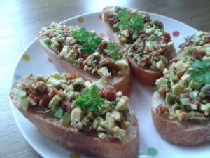 Tataráček z avokáda