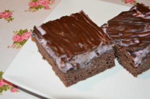 Špaldový koláč s borůvkovým krémem