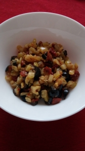 Rizoto s cuketou, sušenými rajčaty a olivami