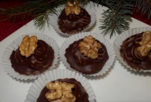 Ořechové košíčky z tlapkového těsta