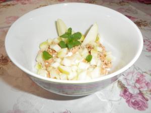 Jogurt s műsli a jablky