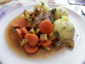Hovězí maso v mrkvi