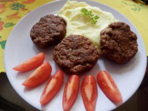 Marocké krůtí biftečky s kuřecími játry