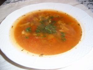 Rajčatová polévka Arrabbiata s brokolicí